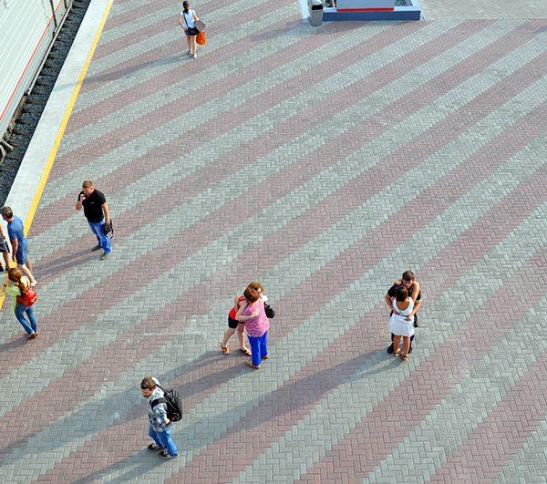 Тротуарная плитка кирпичик (100х200х60мм) фото укладки 3